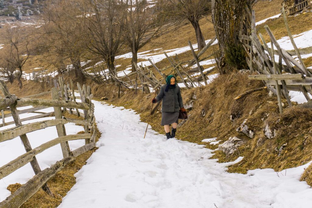 Winter in Romania - guided hiking tours Romania